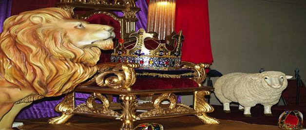 Hermosa representacion en el altar del Reino de Dio